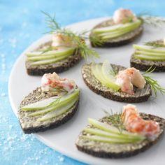 Toasts marins au pain noir. Plus de recettes sur : www.bridelight.fr/les-recettes #Bridelight