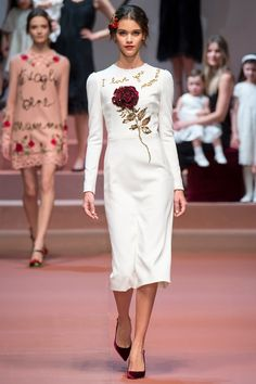 c6235443a9bd41 Dolce   Gabbana Fall 2015 Ready-to-Wear Fashion Show Collection  See the  complete Dolce   Gabbana Fall 2015 Ready-to-Wear collection. Look 1