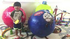HUEVO SORPRESA GIGANTE DE APERTURA Thomas y sus amigos juguete entrena a...