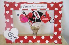 Marco para fotos en este San Valentine, Costa Rica, todo para tus eventos de Holidays! Valentines Photo Booth, Valentines Day Birthday, Infant Classroom, Ideas Para Fiestas, Valentine Decorations, Costa Rica, Backdrops, Crafting, Colour