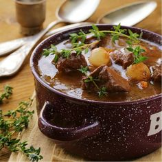 Slow cooked Beef Bourguignon is the most delicious French winter casserole. Designed to be the ultimate comfort food on a cold night. Beef Goulash, Goulash Recipes, Meat Recipes, Slow Cooker Recipes, Paleo Recipes, Crockpot Recipes, Cooking Recipes, Delicious Recipes, Slow Cooking