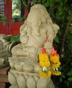 haddonstone garden  statue Hindu Genesh  | Lord Ganesha on Lotus Sandstone Outdoor Garden Statue Sculpture Hindu ...