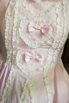 This just looks like it needs to be worn in a sweet shop!