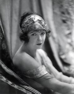 BARBARA BEDFORD Cont'd-He cast her alongside Gilbert in Deep Waters. Tourneur also cast her in The Last of the Mohicans, where she was the love interest for Alan Roscoe, whom she later married in real life. In 1925 she appeared opposite Hart in his final film, Tumbleweeds. She starred in the 1926 silent film Old Loves and New and in Mockery with Lon Chaney the following year.
