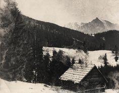 Zimný pohľad na Kriváň - fotoarchív:Ľubomír Štepita - 50 -te roky Shepherds Hut, Old Photographs, Milan, Cabin, Mountains, World, Farms, Nature, Pictures