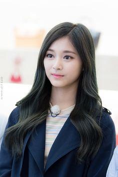 Nayeon, Evil Girl, Pretty Korean Girls, Korean Actresses, Celebs, Celebrities, Beautiful Asian Women, Girl Pictures, Asian Woman