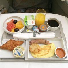 { Paris et moi パリとわたし } パリに行ったら したいこと⑱ 機内はすでにパリ、Air Franceで快適な空のたびを味わいつくす!