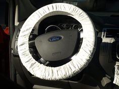 Funda plástica universal para volantes de autos, camionetas, camiones, buses y demás vehículos. Resistente para uso repetido y a bajo costo