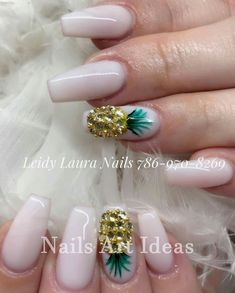 Wedding Nail Designs For Bridesmaids. Setting up the perfect nail cutting and nail art style isn't simply about coloration or style. Crazy Nail Designs, Diy Nail Designs, Acrylic Nail Designs, Tropical Nail Designs, Tropical Nail Art, Pineapple Nail Design, Pineapple Nails, Perfect Nails, Gorgeous Nails