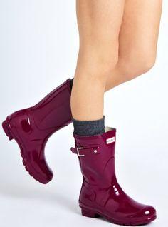 Cute Rain Boots, Rubber Rain Boots, Maya Fashion, Winter Fashion Boots, Equestrian Outfits, Dream Shoes, Hunter Boots, Hunters, Nylons