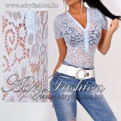 1c35ed329f Világoskék csipke díszes elegáns cipzáros női body - AdryFashion női ruha  webáruház, Ruha webshop, Amnesia, NedyN, Rensix , Egyedi ruha