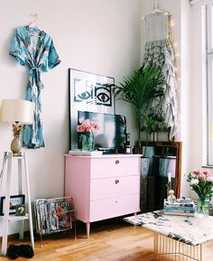Nytt blogginlägg uppe med bilder på min visningsstädade lägenhet ✨☝️⚡️ (länk i profilen)