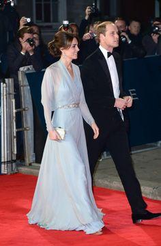 El momento Cenicienta de Kate Middleton en la premiere de Spectre, de 10