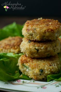 ( Po polsku ) Egg patties (kotlety z jajek) are delicious alternative for meat ones. My Mum used to make them for meat free Fridays. Lunch Box Recipes, Easy Dinner Recipes, Easter Dishes, Polish Recipes, Polish Food, Good Food, Yummy Food, Tasty, Diet