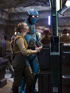 Carrie Fisher's daughter, Billie Lourd, in The Force Awakens http://starwarsreporter.com/2015/12/09/carrie-fishers-daughter-in-the-force-awakens-a-family-affair/