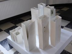 Keramiek Yvet Derdelinckx Eindejaarstentoonstelling De Meiboom 2014