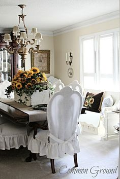 Sunflowers brighter up the home Dining Room Chair Covers, Dining Room Windows, Dining Chair Slipcovers, Dining Room Chairs, Shabby Chic, Cottage Furniture, Beautiful Dining Rooms, Upholstered Ottoman, Cool Rooms