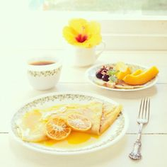Breakfast with Crêpe Suzette おはよう☼ 昨日に引き続き朝クレープ*子供たちはハム&チーズ、私のだけ昨日から食べたい〜と思ってた、ジュゼット。みかんで。笑꒰ •ॢ ̫ -ॢ๑꒱✩Have a lovely day♡ - @mamiaoyagi | Webstagram