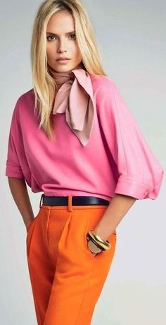 Pink and orange outfit. Natasha Poly by Patrick Demarchelier for Vogue China January 2014 (Colour Me Happy) Vogue China, Fashion Mode, Look Fashion, Fashion Outfits, Fashion Trends, Ladies Fashion, 50 Fashion, French Fashion, Fashion Styles