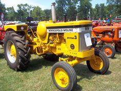 Minneapolis Moline Jetstar 3 LPG-Liquid proprane gas tractor Vintage Tractors, Antique Tractors, Old Tractors, Minneapolis Moline, Old Farm Equipment, Agriculture Farming, Tractor Pulling, Classic Tractor, Twin Cities