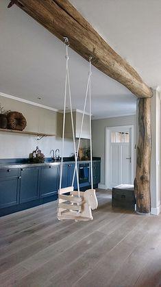 Schommelstoel peuter houten balk plafond Industrial Decor, House, Interior, House Styles, New Homes, Home Decor, Home Diy, Interior Design, Home And Living