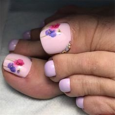 Luxury Nails – Great Make Up Ideas Pedicure Designs, Pedicure Nail Art, Toe Nail Designs, Cute Toe Nails, Cute Nail Art, Pretty Nails, Easter Nail Designs, Easter Nail Art, Feet Nail Design