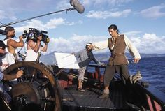 Behind the scenes of Pirates of the Caribbean: The Curse of the Black Pearl. - Crew at work, On Location