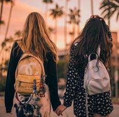 Find images and videos about friends and best friends on We Heart It - the app to get lost in what you love. Friend Poses Photography, Cute Photography, Best Friends Shoot, Cute Friends, Friends Image, Cute Friend Pictures, Best Friend Pictures, Image Couple, Bff Girls