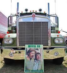 Image result for movin on kenworth Farm Trucks, Tow Truck, Diesel Trucks, Old Trucks, Kenworth Trucks, Peterbilt, Heavy Construction Equipment, Logging Equipment, Movin On