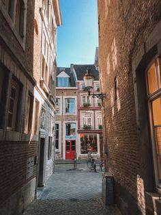 Wijken van Maastricht | Bezoek Maastricht Utrecht, Study Abroad, Resorts, Pisces, Netherlands, Europe, Gray, Live, Instagram