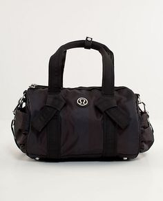Lululemon DTB Duffel - Birthday gift to me - LOVE LOVE - perfect size - not too big - comes with wet/dry bag for gym clothes.
