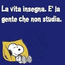 Iniziamo la giornata con un sorriso â˜ºï¸ - Snoopy Quotes, Italian Quotes, Magic Words, Good Thoughts, Best Memories, Comic Strips, Funny Images, Life Lessons, Quotations