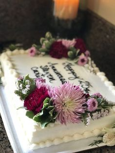 Banana and pecan cake - HQ Recipes Costco Wedding Cakes, Wedding Sheet Cakes, Birthday Sheet Cakes, Cake Birthday, Wedding Anniversary Cakes, Anniversary Parties, Costco Cakes Designs, Fresh Flower Cake, Fresh Flowers