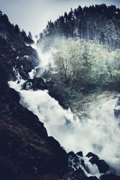 amadeon:    Dreamscape IV by Rasmus Hartikainen  Rogaland Fylke, Noruega, There are still places where magic resides. 2012.