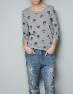 SKULL PRINT SWEATER-could possibly wear with leather leggins but not sure if i'm brave enough! Pretty Outfits, Beautiful Outfits, Cool Outfits, Girl Fashion, Fashion Outfits, Fashion Trends, Zara Portugal, Pretty Punk, Look Chic
