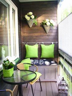 um clima lindo e fazem aquela varanda esquecida se tornar um dos ambientes preferidos da casa para relaxar.: