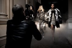 Mario Testino-Cavalli F/W 2013/14. Roberto Cavalli shares a peek of the behind the scenes of label's Fall Winter 2013 advertisement session by Mario Testino featuring models Iselin Steiro, Liu Wen and Liya Kebede Roberto Cavalli' Mario Testino styling by Marie Chaix.