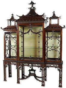Chinoiserie Chippendale style cabinet-on-stand English, late 18th century - PAGODAPALOOZA.