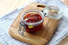 Hausgemacht und lecker: Eingelegte Paprika in Olivenöl