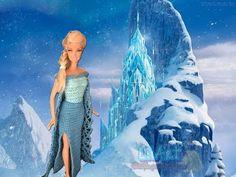 Elza /Croche - LiiArt - YouTube Snow Queen Dress, Snow Queen Costume, Frozen Crochet, Crochet Disney, Frozen Dress, Elsa Dress, Lace Dress, Crochet Doll Pattern, Crochet Dolls