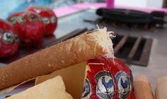 Marquesitas de la Peninsula de Yucatán. Son uno de los dulces más populares de la región y se pueden comer con diferentes rellenos, dulce de leche de cabra cajeta, miel, chocolate, mermelada