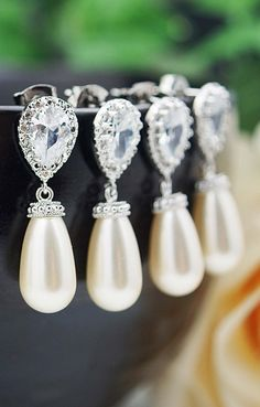 Diamond and pearl drop wedding earrings - so pretty for the whole bridal party