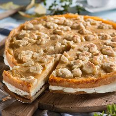 Apfel-Eierlikör-Torte mit Pflaumenmus