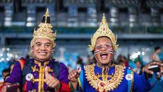 Mit vollem Herzen dabei: Diese Fans aus Thailand feuern die Taekwondo-Kämpfer...