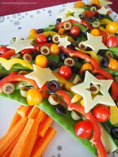 Learn with Play at Home: Healthy Veggie Christmas Tree Share Platter. Cooking with Kids.