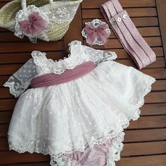 El pack completo de cremonia que se nos va para Tenerife Christening Outfit, Baptism Dress, Baby Baptism, Little Girl Dresses, Flower Girl Dresses, Baby Dress Patterns, Baby Gown, Baby Boutique, Baby Sewing