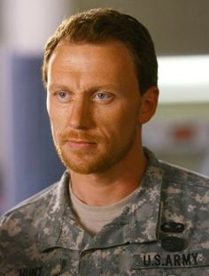 Mmmm a man in uniform usually doesn't suit me, but my favorite Grey's man Kevin McKidd can wear this anytime!!