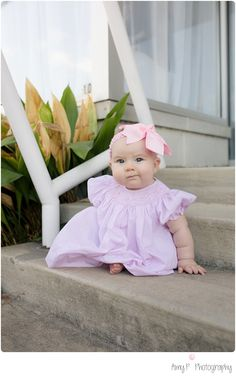 7 month photo session outdoors on the stairs