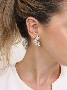 Dainty Diamond Earrings in Solid Gold / Chevron Earrings / V Stud Earrings / Delicate Diamond Studs / Graduation Gift - Fine Jewelry Ideas Bridal Earrings, Bridal Jewelry, Silver Jewelry, Fine Jewelry, Silver Rings, Wedding Earrings Studs, Vintage Jewelry, Jewelry Sets, Wedding Jewelry For Bride