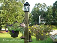 This Freestanding Bird Feeder and Flower Post The birds and the bees will flock to this DIY freestanding bird feeder/flower post.The birds and the bees will flock to this DIY freestanding bird feeder/flower post. Garden Yard Ideas, Lawn And Garden, Garden Projects, Garden Art, Garden Design, Garden Posts, Garden Whimsy, Garden Junk, Indoor Garden
